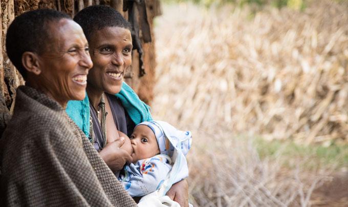 Ethiopian mother breastfed her baby